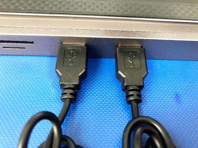 USBあったか手袋USB部分